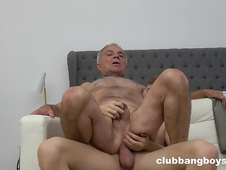 Senior guy irritant fucked by young twink in gay XXX