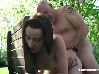 Young nympho Charlotte Johnson seduces old naked gay blade in burnish apply garden